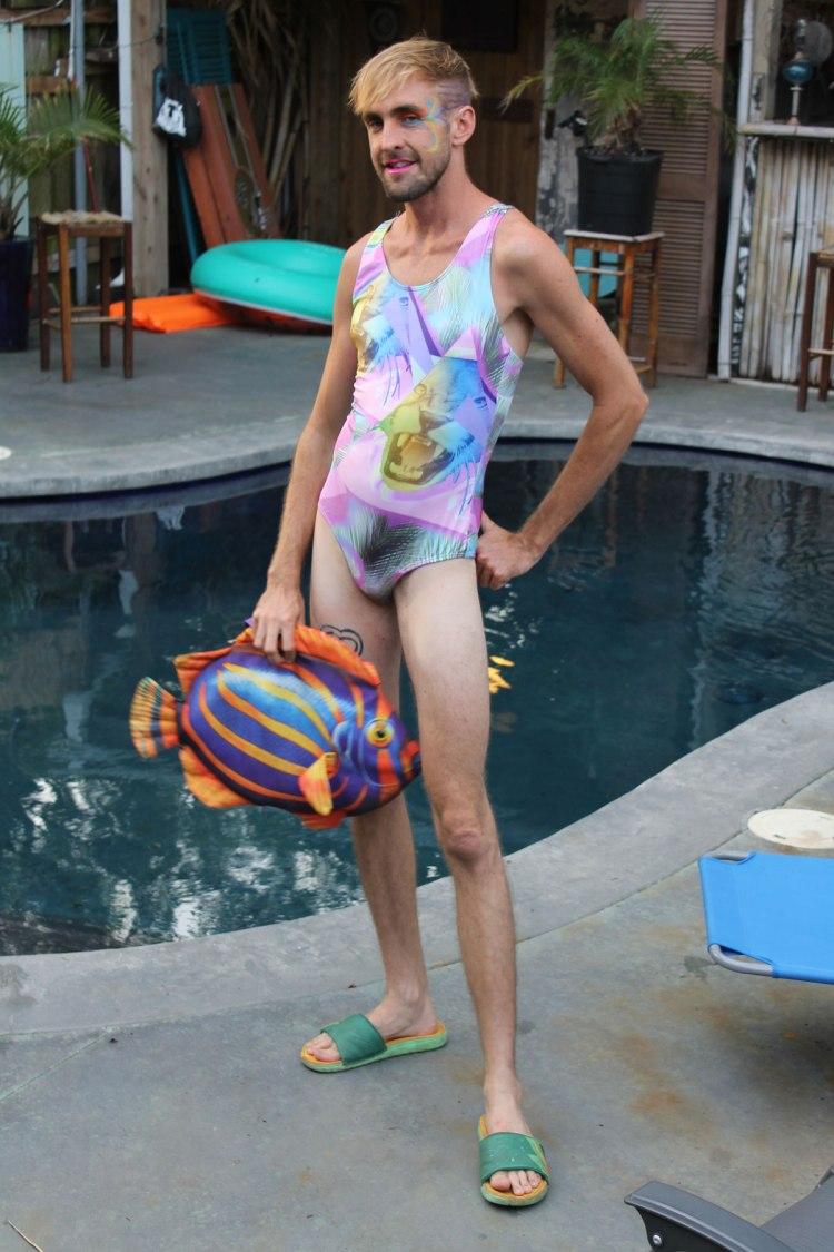 17_swimsuit_p_1
